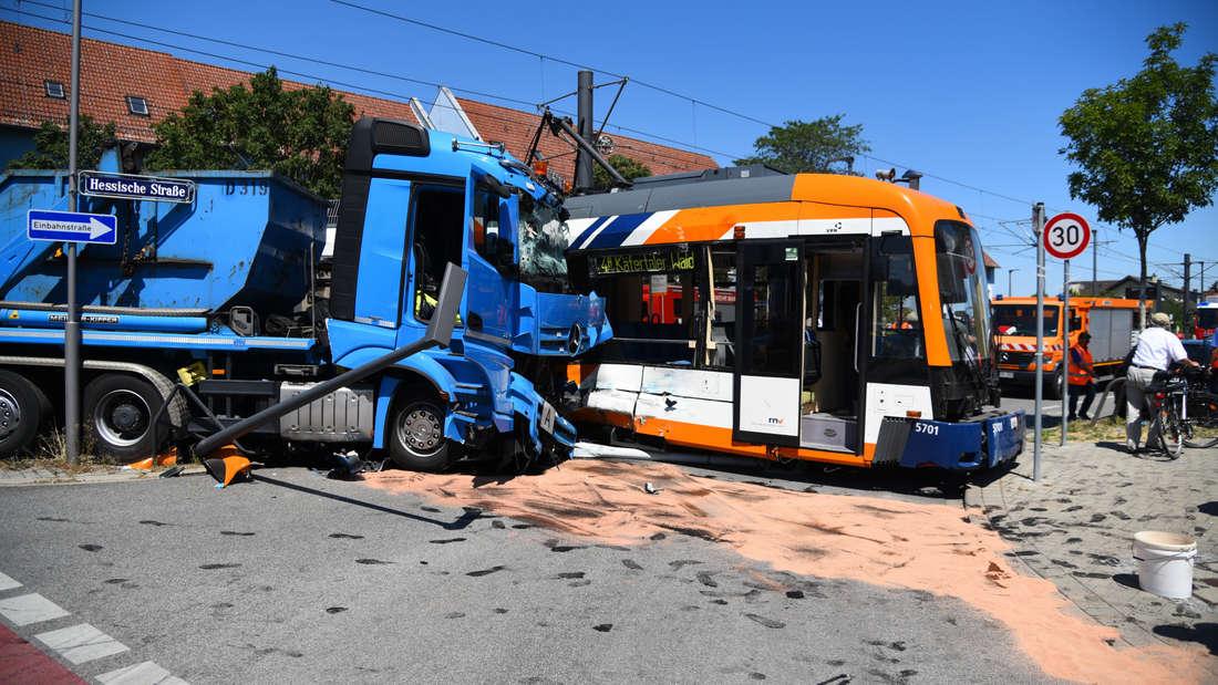 Schwerer Straßenbahn-Unfall in Mannheim verletzt neun Menschen