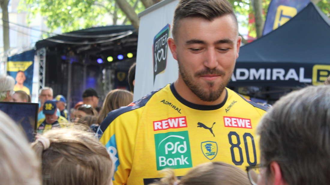 Die Rhein-Neckar Löwen haben das neue Trikot für die Saison 2019/20 präsentiert.