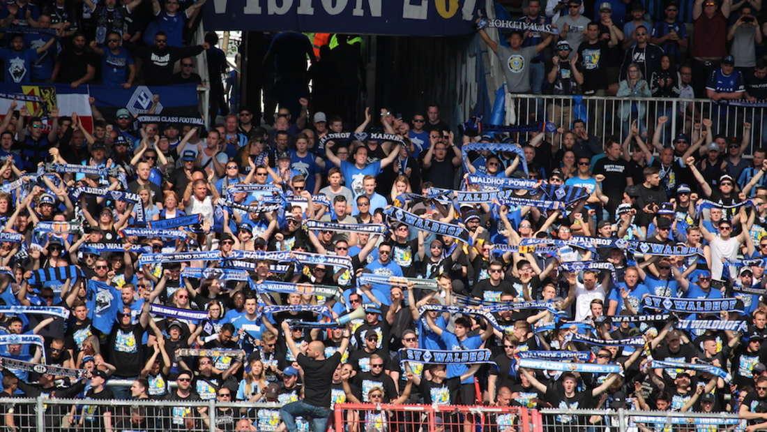 Die Fans des SV Waldhof freuen sich auf den Saisonstart in der 3. Liga.