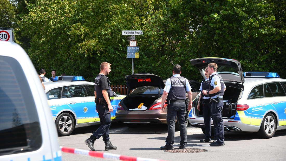 Verfolgungsfahrt mit der Polizei endet an Gartenzaun