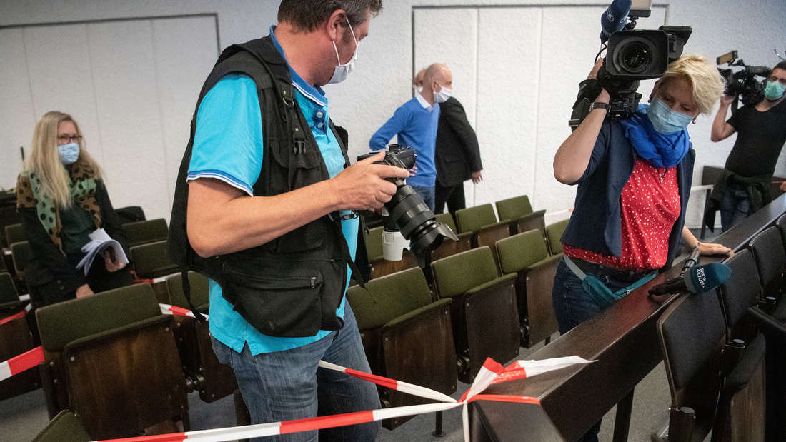 Der Mord-Prozess in Stuttgart findet unter strengen Corona-Auflagen statt.