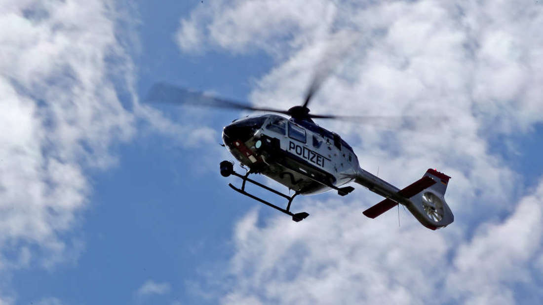 Nach einem Einbruch sucht die Polizei in Eppelheim mit einem Hubschrauber nach zwei Flüchtigen. (Symbolfoto)