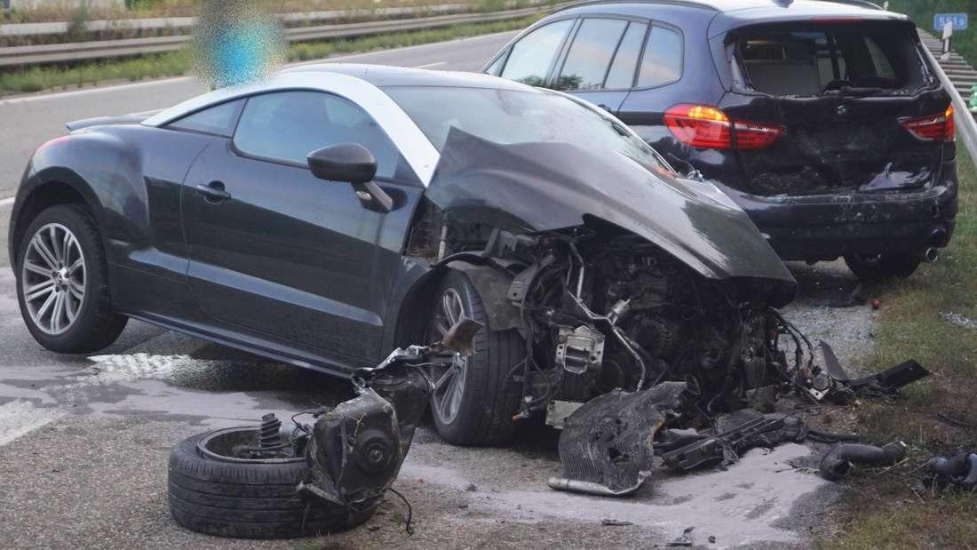 In einen Unfall auf der A81 sind sechs Fahrzeuge verwickelt.