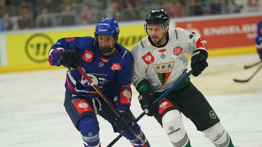 Die Adler Mannheim gewinnen gegen Tychy.