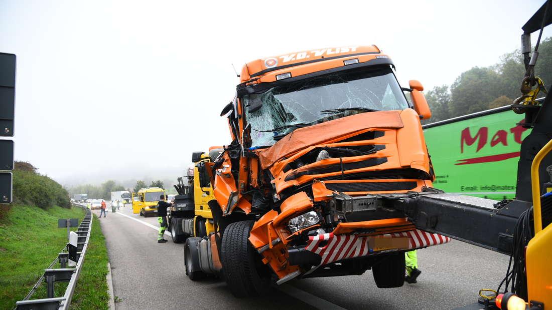 Lkw-Unfall bei Sinsheim löst Stau aus