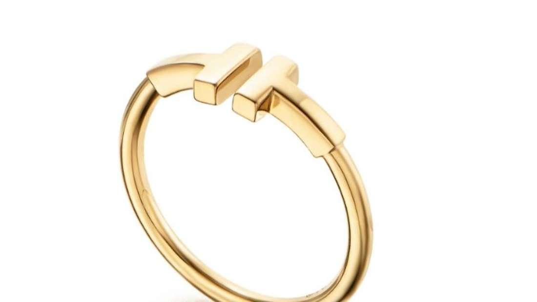 Helene Fischer wurde mit diesem oder einem ähnlichen Ring gesehen.