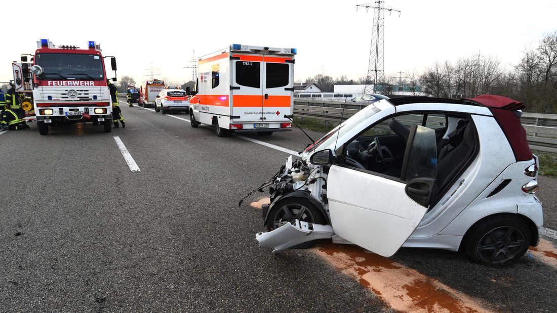 Schwerer Glätteunfall auf der A5 bei Weinheim.