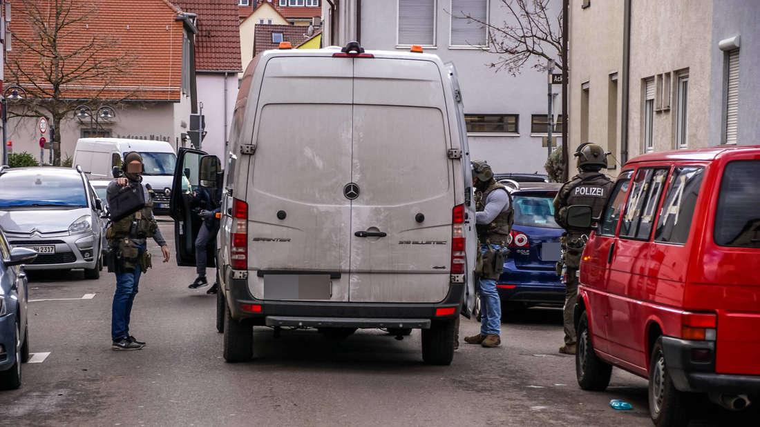 Stuttgart Wangen: SEK Einsatz Stuttgart Wangen - Vermutlich imZusammenhang mit Waiblingen