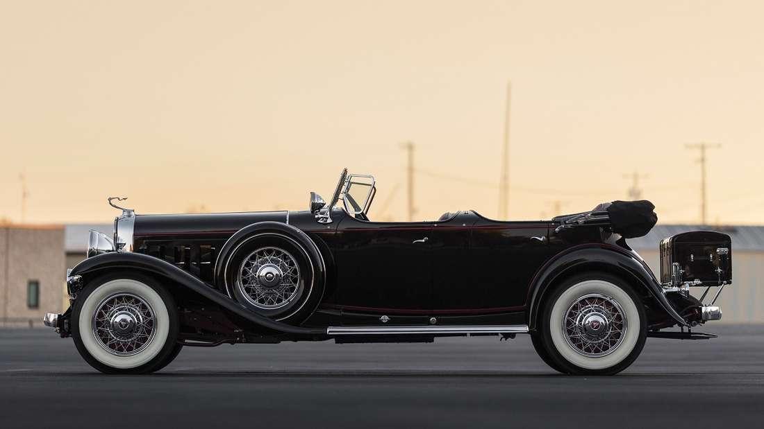 Zwischen 1930 und 1931 wurden 85 dieser Sport Phaeton produziert, von denen laut Sotheby's noch 17 existieren.