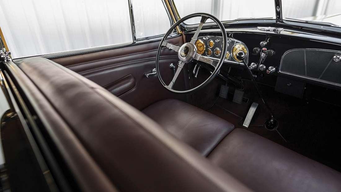 Nicht nur die Technik, auch der Innenraum des Imperial Convertible Sedan befindet sich in gutem Zustand.