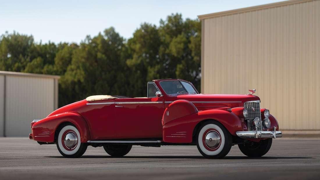 Noch fortschrittlicher im Design präsentiert sich dieses Convertible Coupé von 1939.