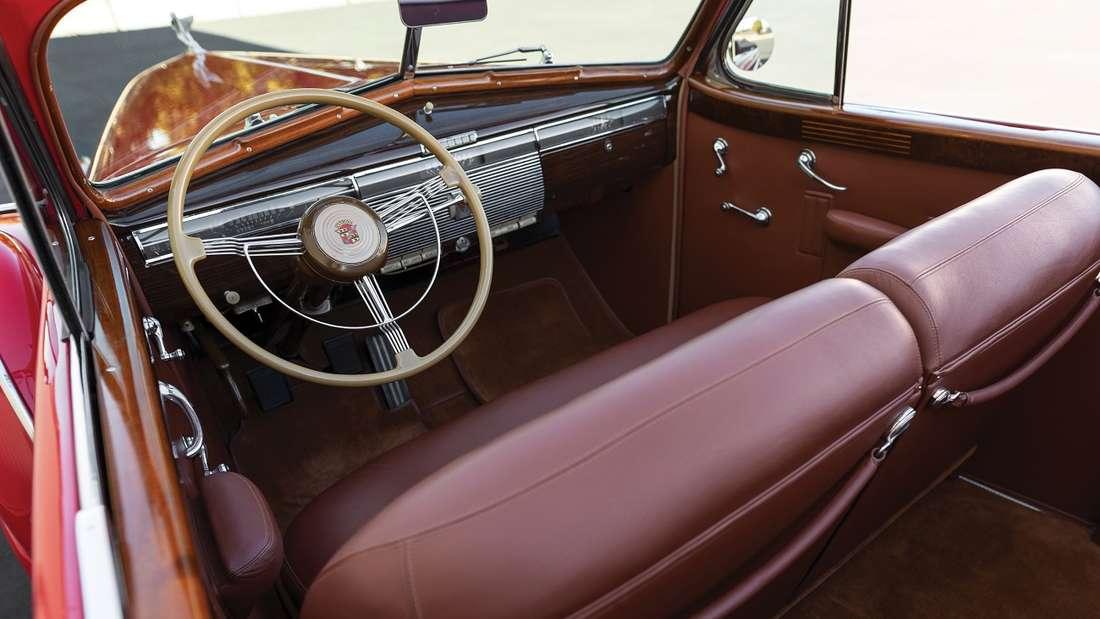 Zu den Besonderheiten des in den 1990er-Jahren restaurierten Luxusliners gehört ein Original-Autoradio.