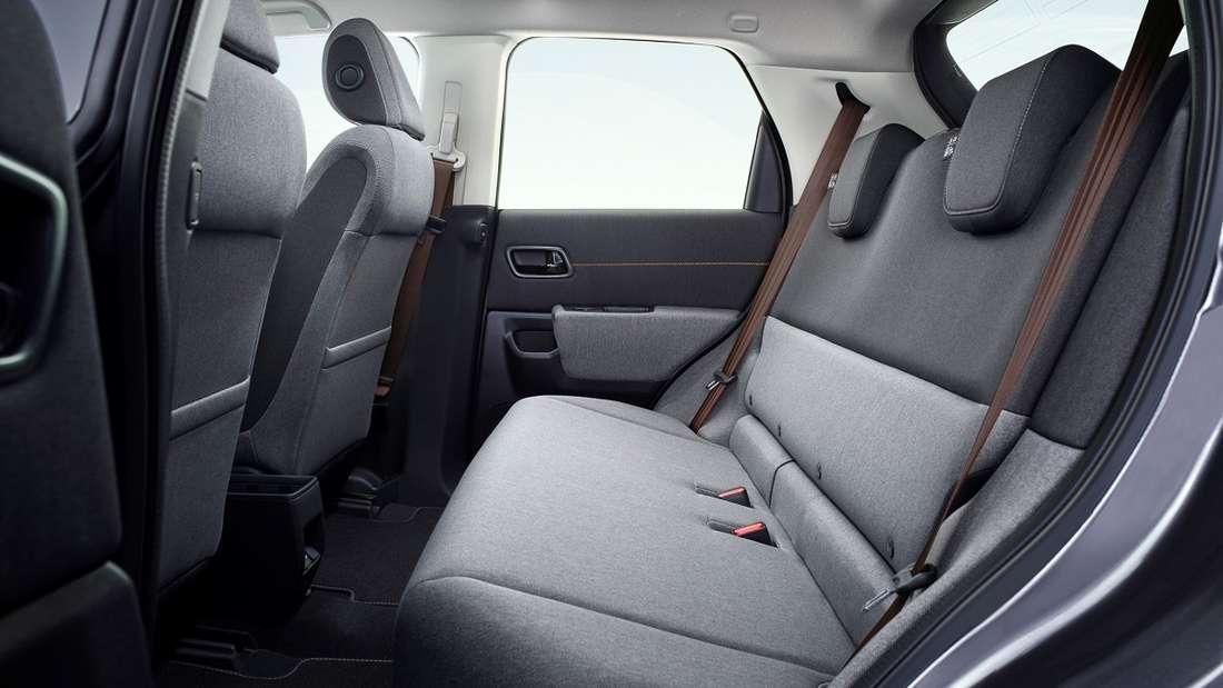 Wie in einem heimischen leicht ausgebeulten Sofa fühlt man sich auf der Rückbank des Honda e. Richtig gemütlich, auch Menschen mit einer Körpergröße von über 1,80 Meter werden hier zu Couch-Potatoes.
