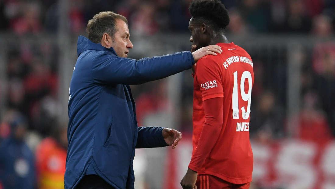 FC Bayern: Auch gegen den FC Chelsea wird Hansi Flick wohl wieder auf Alphonso Davies bauen.