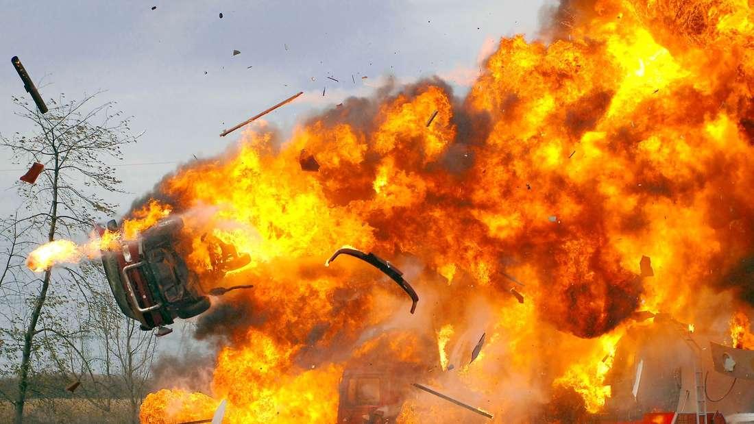 """So explosiv wie in der Serie """"Alarm für Cobra 11"""" ist es auf den Autobahnen zum Glück selten."""