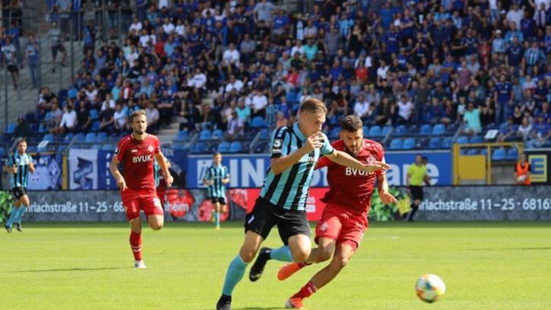 Der SV Waldhof hat das Hinspiel gegen Würzburg verloren.