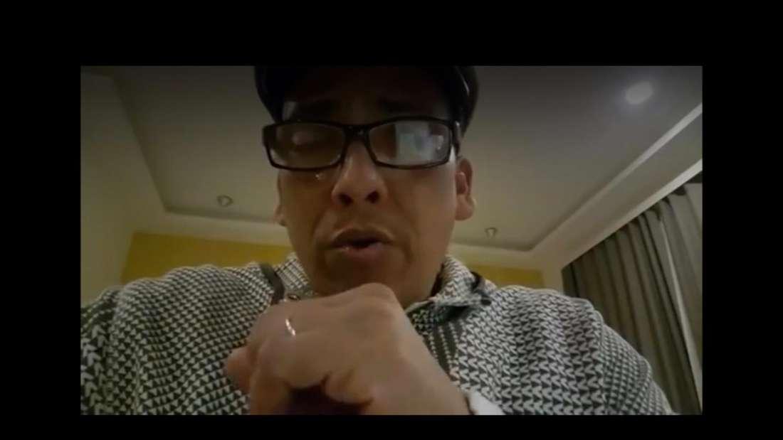 Xavier Naidoo bricht in einem Video in Tränen aus und spricht über eine krude Verschwörungstheorie.