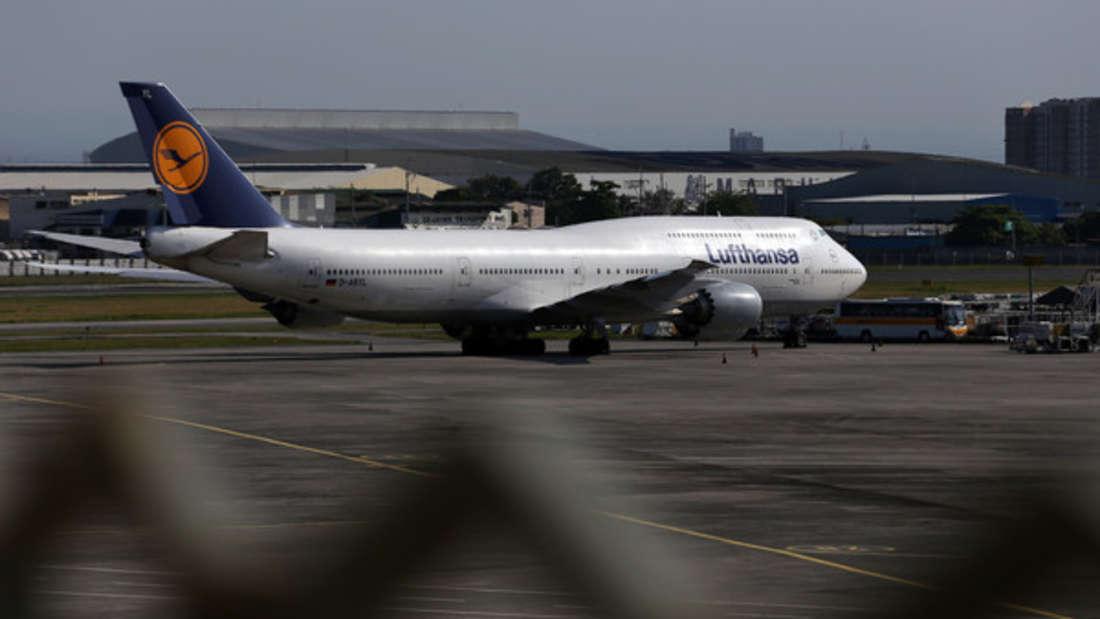 Rückholaktion: Eine Lufthansa-Maschine steht am Flughafen von Manila.