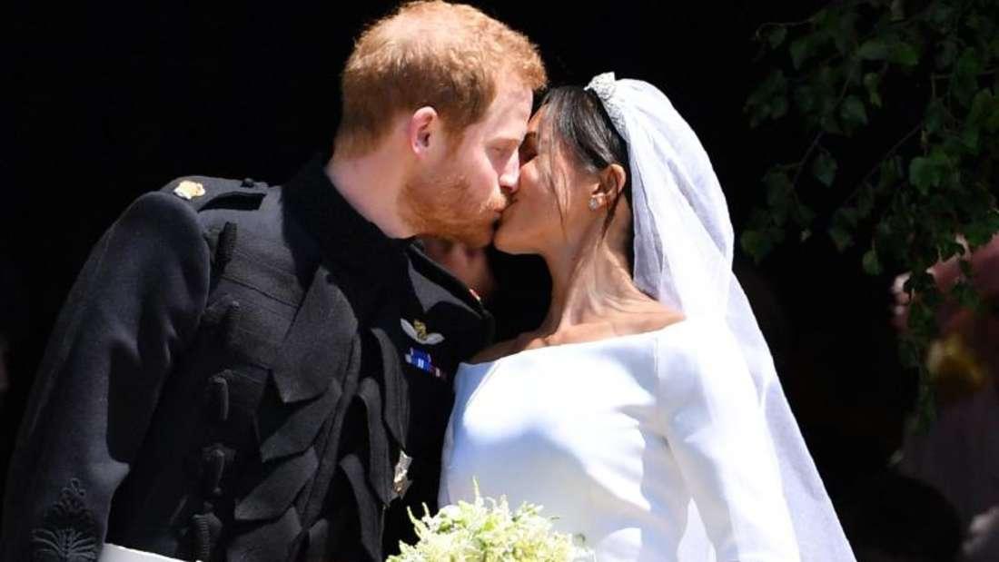 Prinz Harry und Herzogin Meghan am 19. Mai 2018 nach ihrer Trauung. Foto: Ben Stansall/PA Wire/dpa