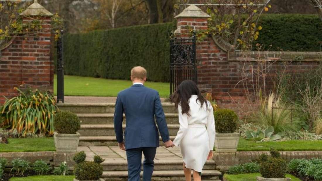 Prinz Harry und Meghan Markle nach Bekanntgabe ihrer Verlobung. Foto: Dominic Lipinski/PA Wire/dpa