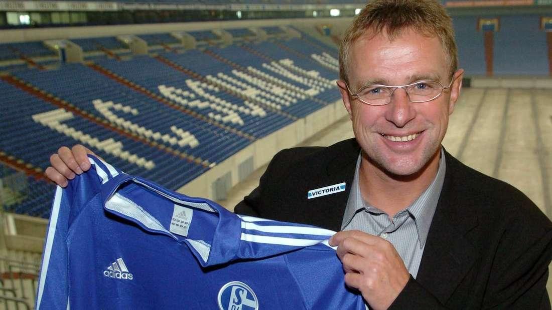 Ralf Rangnick wird als Trainer beim FC Schalke 04 vorgestellt.