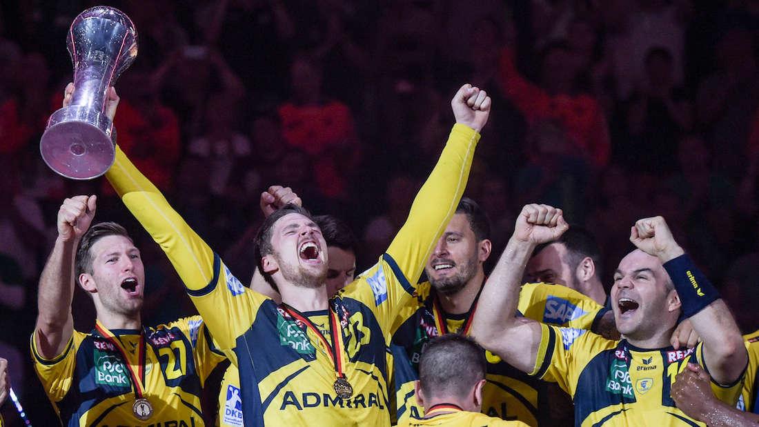 Fluch gebrochen: Die Löwen gewinnen 2018 erstmals den DHB-Pokal.