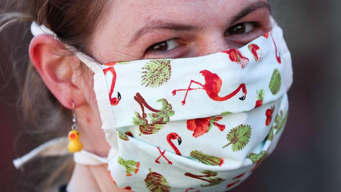 Coronavirus: Wer sich nicht an die Maskenpflicht hält, macht sich strafbar.