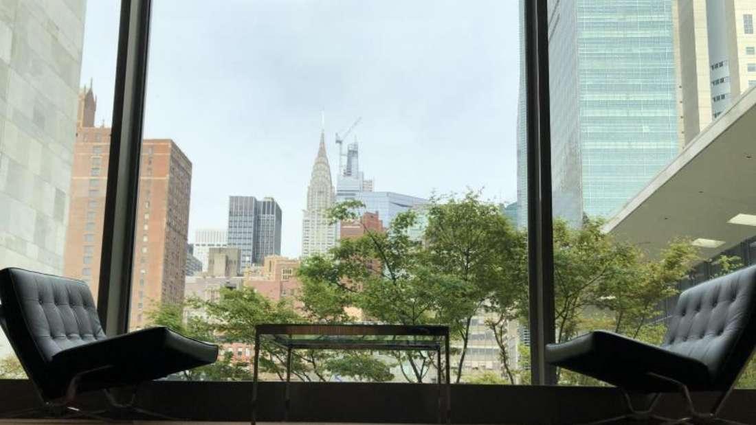 Menschenleer - das UN-Hauptgebäude in New York. Foto: Benno Schwinghammer/dpa