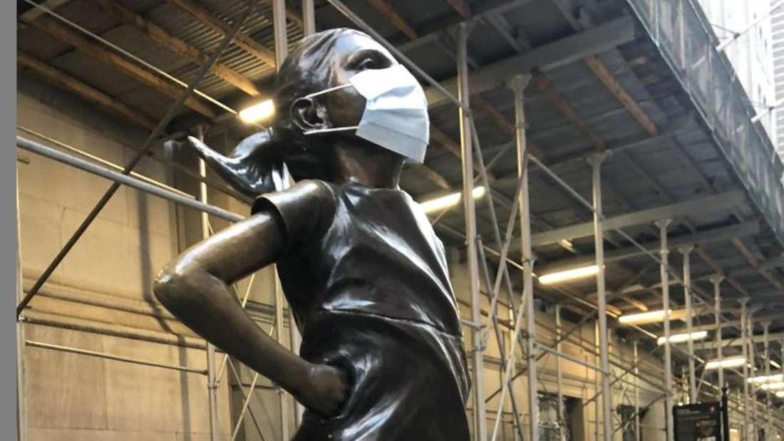 Das «Furchtlose Mädchen» an der Wall Street. Foto: Benno Schwinghammer/dpa