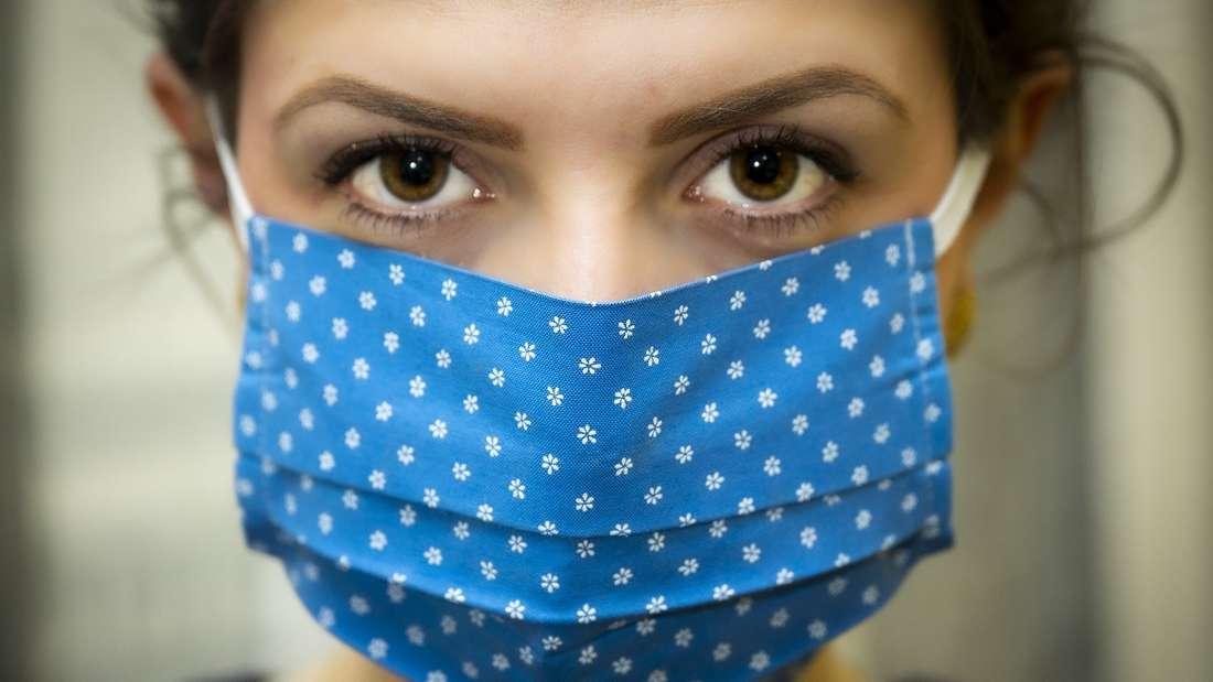 Mundschutz reinigen: So bekommst Du Deine Maske wieder sauber