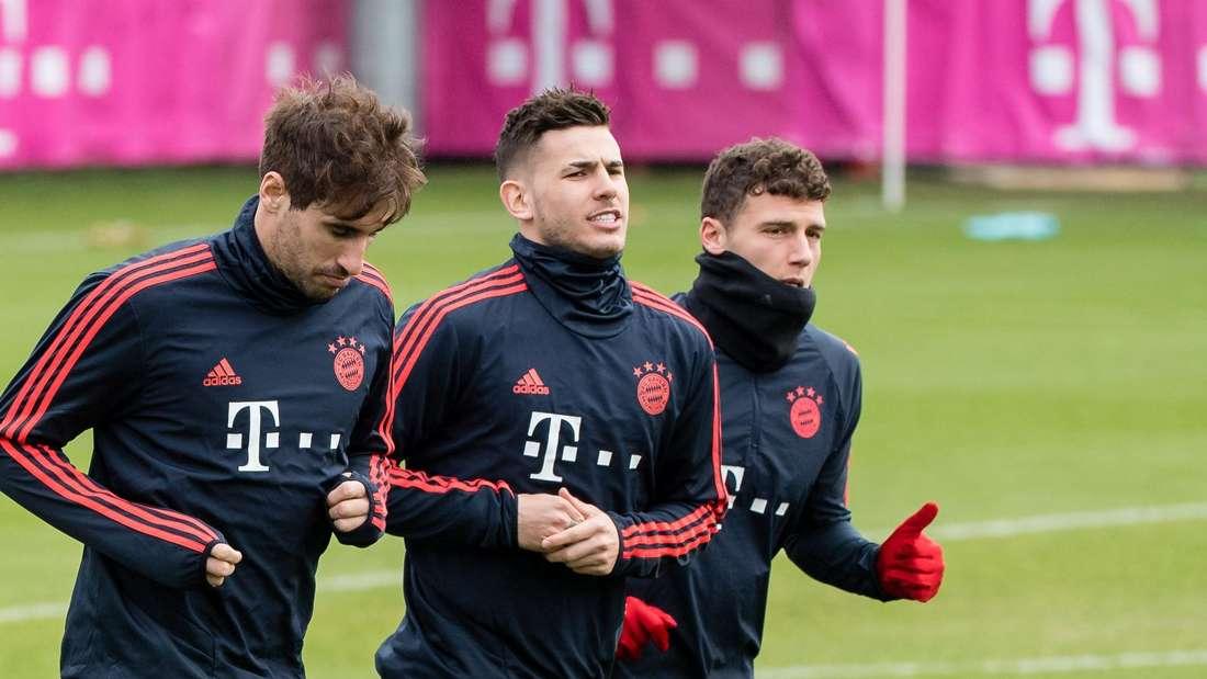 FC Bayern München Martinez Hernadenz Pavard