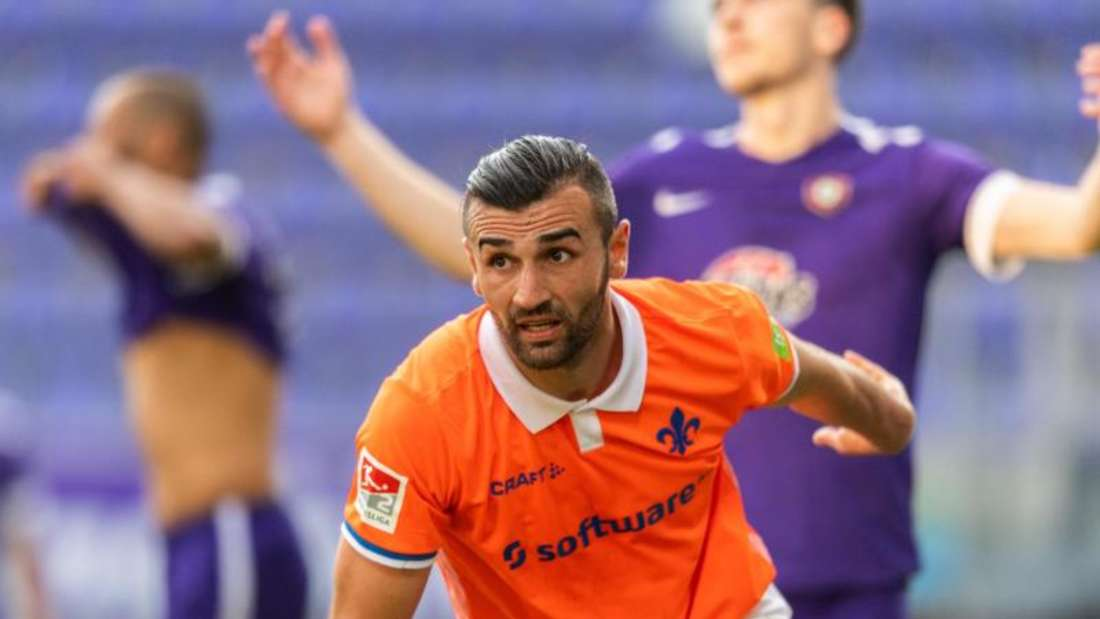 Serdar Dursun war mit zwei Toren Matchwinner beim Darmstädter Sieg in Aue. Foto: Robert Michael/dpa-Zentralbild - Pool/dpa