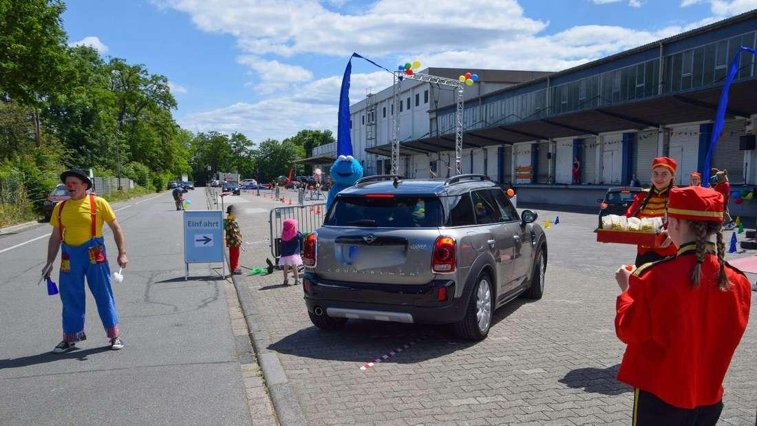 Erstmalige Reise ins Zirkusland: Bundesweit erster Zirkus-Drive-In begeistert Familien in Mannheim