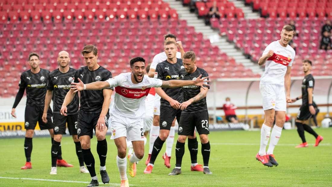 Der VfB Stuttgart bejubelt die Führung gegen den SV Sandhausen.