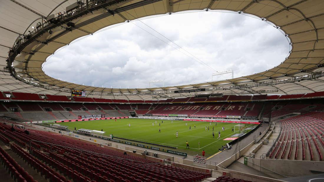 Das Spielfeld der Mercedes-Benz Arena