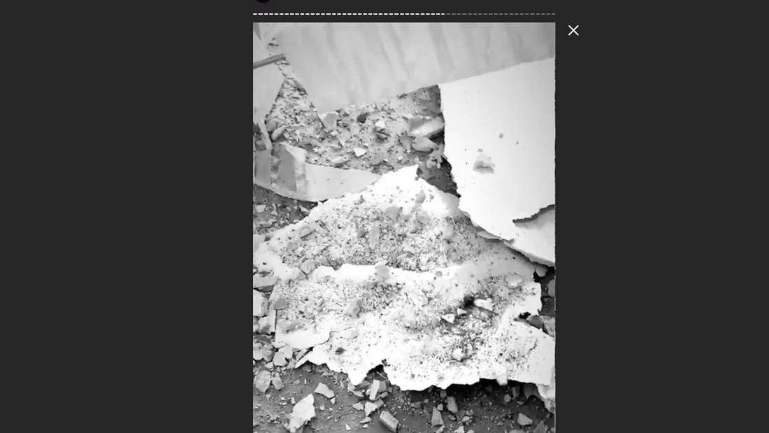 Carmushka zeigt Fragmente der Decke.