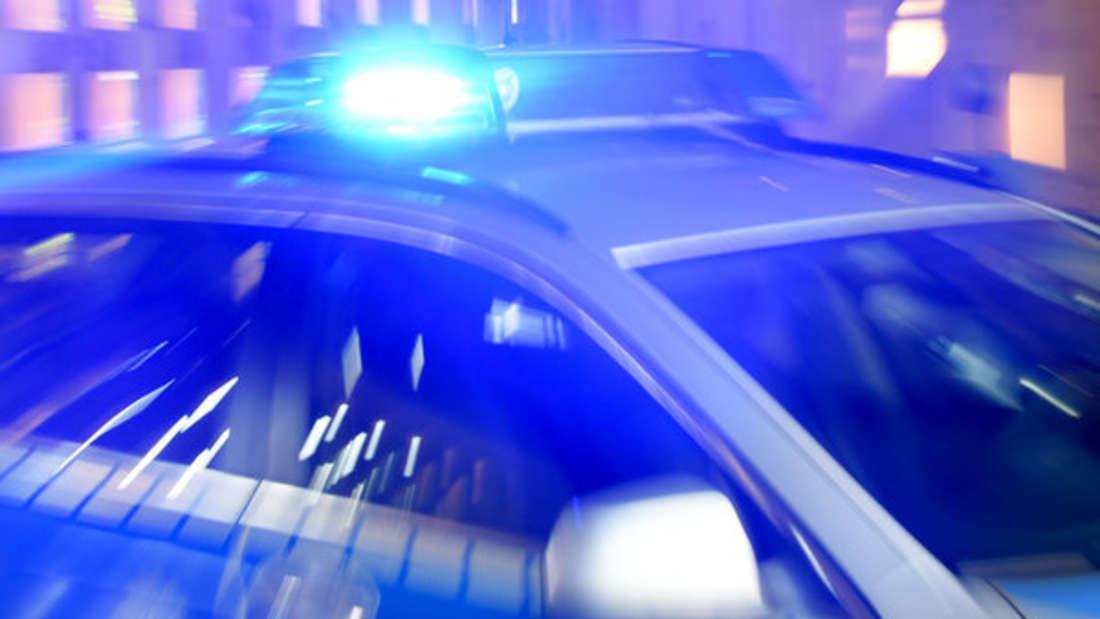 Symbolbild Polizei mit Blaulicht.