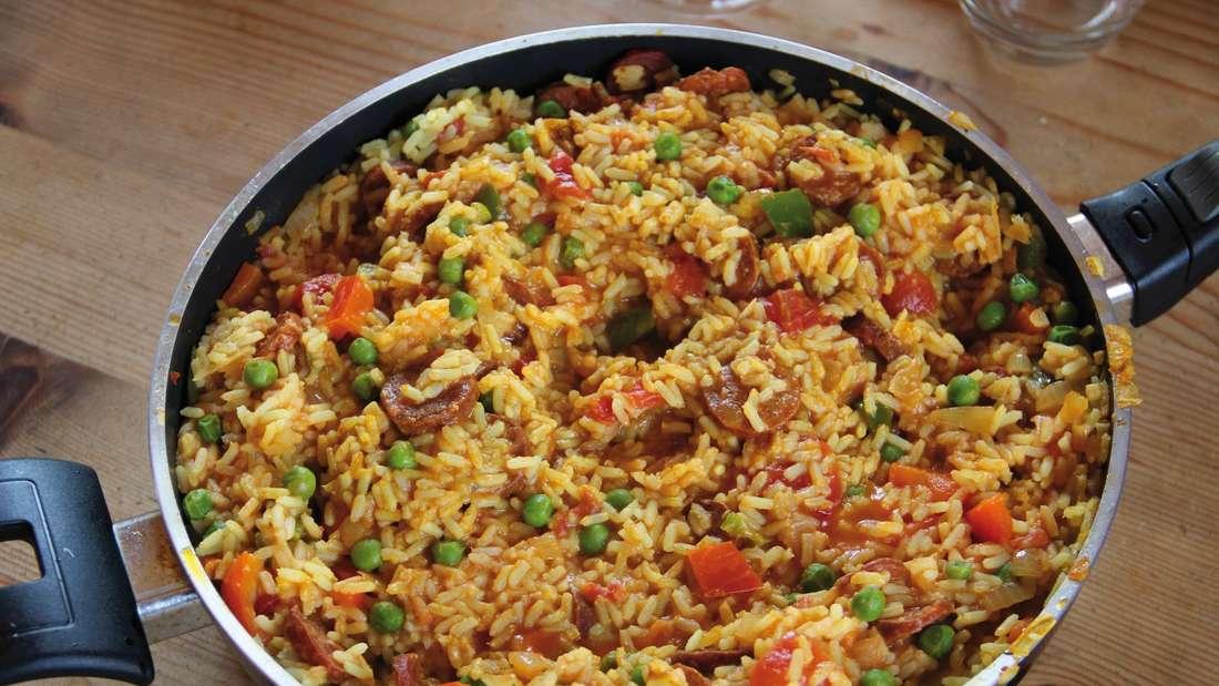 Eine Reis-Pfanne: Mit Reis lassen sich leckere Gerichte zaubern.