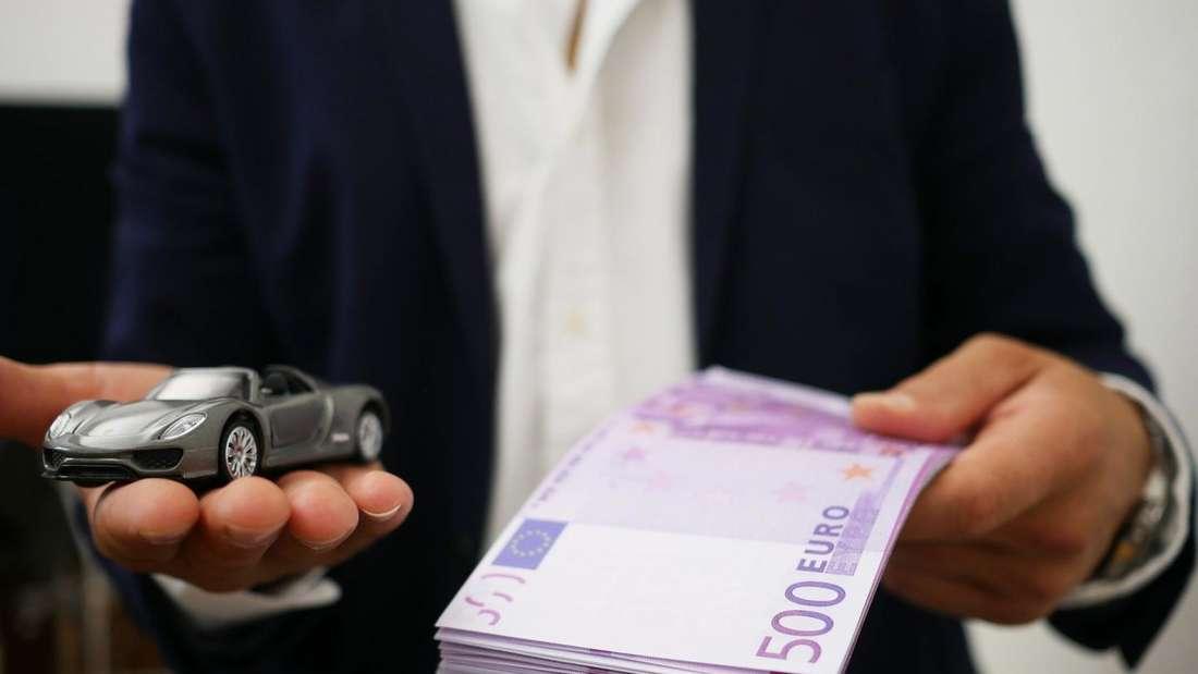 Lassen sich Autos günstig finanzieren? Mit den richtigen Tipps lässt sich das bewerkstelligen.