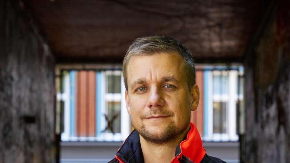 Tobi Schlegl, Musiker, Moderator, Autor und auch Notfallsanitäter. Foto: Georg Wendt/dpa