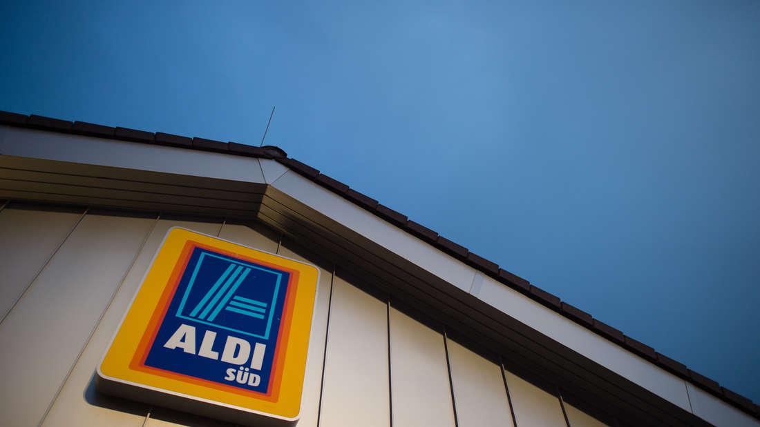Aldi Süd-Schild an Hausfassade