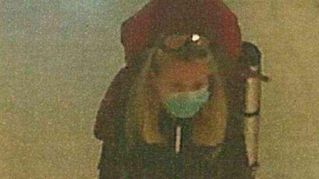 Bild aus der Überwachungskamera eines Supermarktes zeigt vermisste Studentin