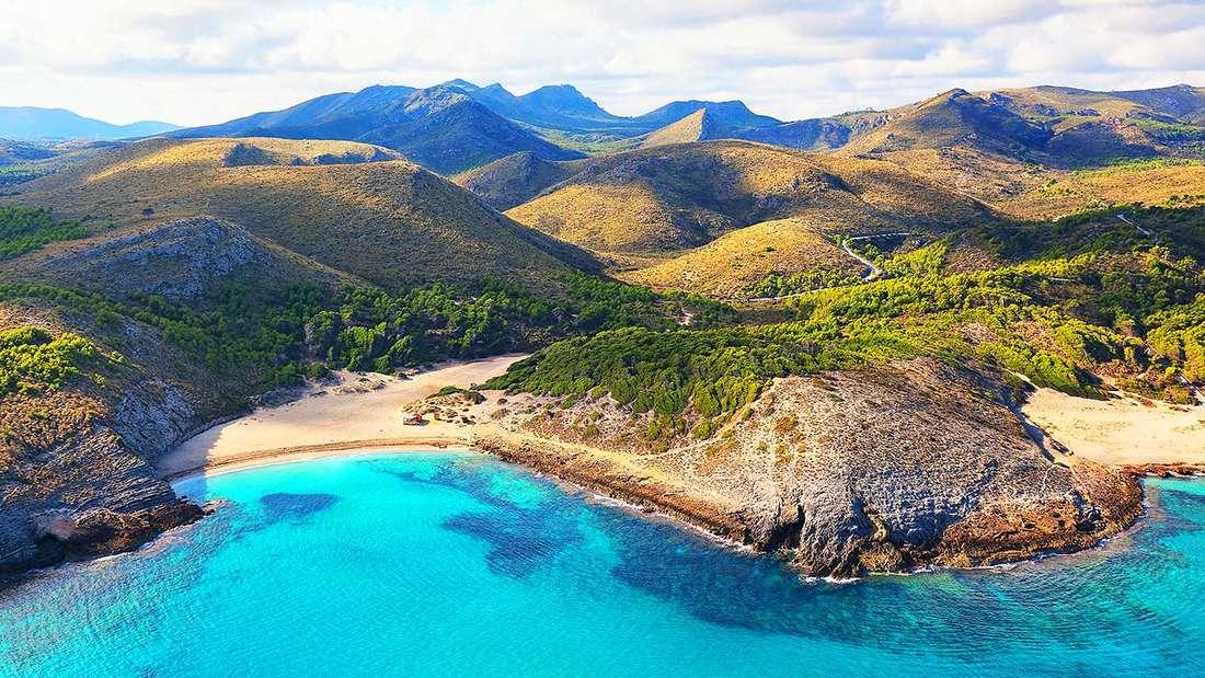 Die Bucht Cala Torta auf Mallorca.
