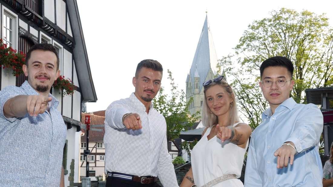 """Freuen sich über die Veröffentlichung ihres neuen Songs """"Nights"""": Tomex, Kevin Yanik, Katharina Wagener und Ch4ng (von links)."""