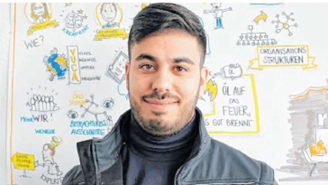 Onur Akyürek bewarb sich erfolgreich beim Job-Speed-Dating für eine Karriere im Fahrdienst bei der rnv.