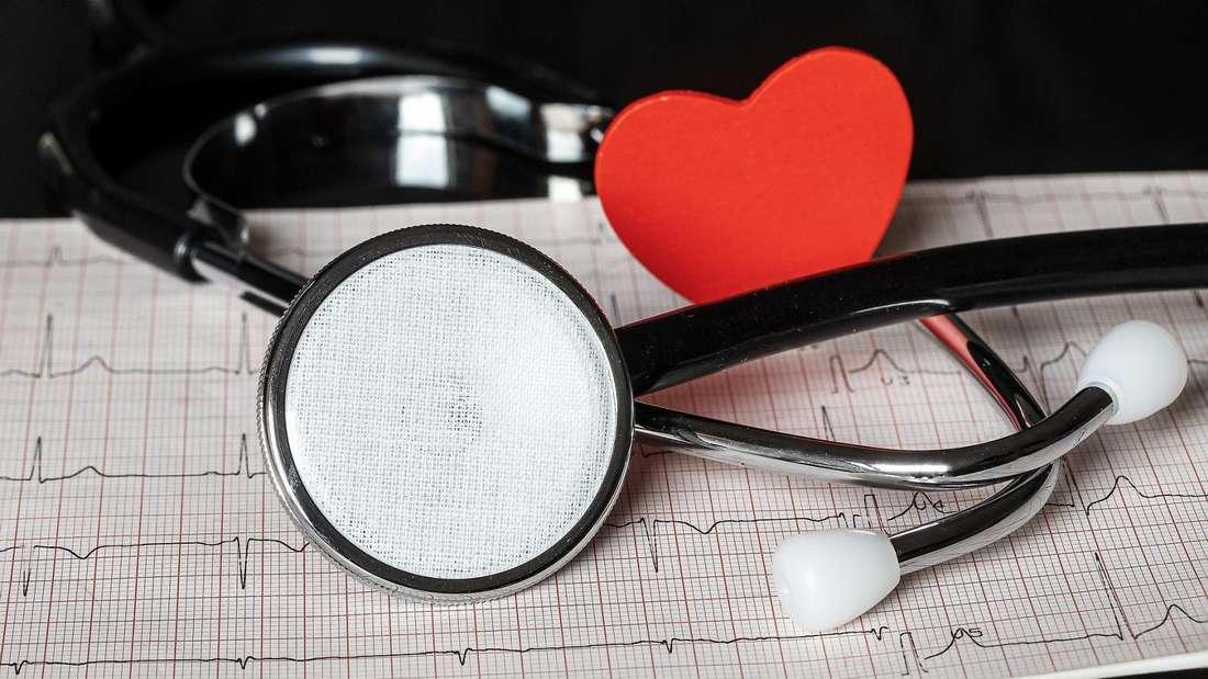 Herzprobleme lassen sich beim Kardiologen mit speziellen Untersuchungen diagnostizieren.
