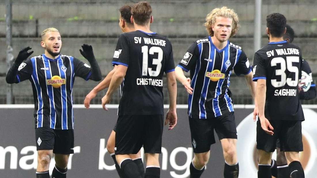 Arianit Ferati trifft gegen den MSV Duisburg doppelt.