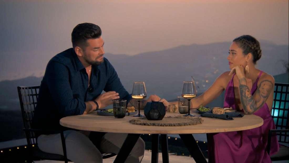 Bachelorette 2020 (RTL): Kandidat Ioannis und Bachelorette Melissa beim Dreamdate auf Santorin.