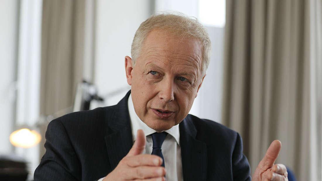 Tom Buhrow, Intendant des Westdeutschen Rundfunks (WDR), spricht während eines Interviews.