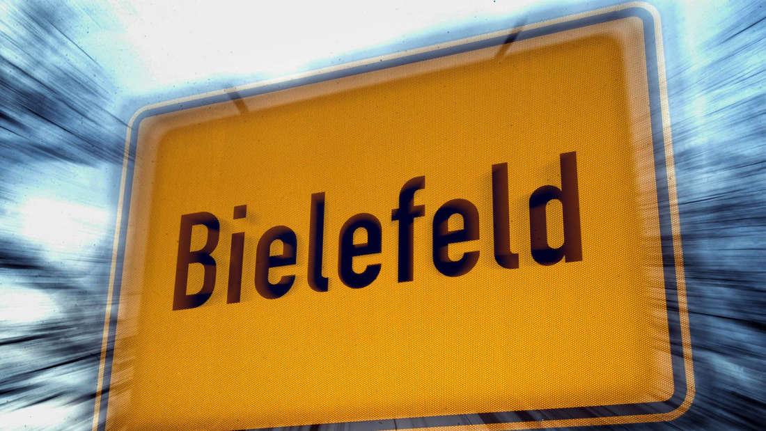 Ein Ortsschild in Bielefeld, fotografiert mit Zoomeffekt.